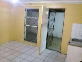2 ROOMED FLAT TO RENT