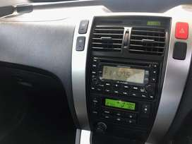 Hyundai Tucson for sale! Reliable and cost efficient vehicle.