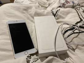 iPhone used in good condition, needs a new screen