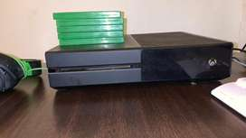 Xbox one 500GB & keyboard and Mouse