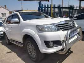 2013 Toyota Fortuner 3.0 D4D SUV automatic with leather seats