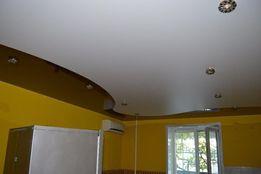 Натяжные потолки с криволинейной спайкой