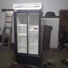 Staycold 580 Litre Display Fridge