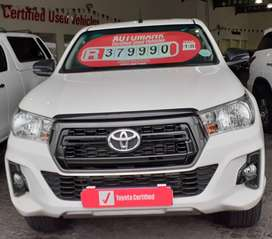 Toyota Hilux 2.4 GD6 SRX XCab - manual 4X2