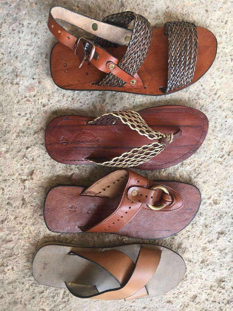 Leather sandals 0