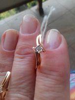 новые золотые серьги с бриллиантами 0.29