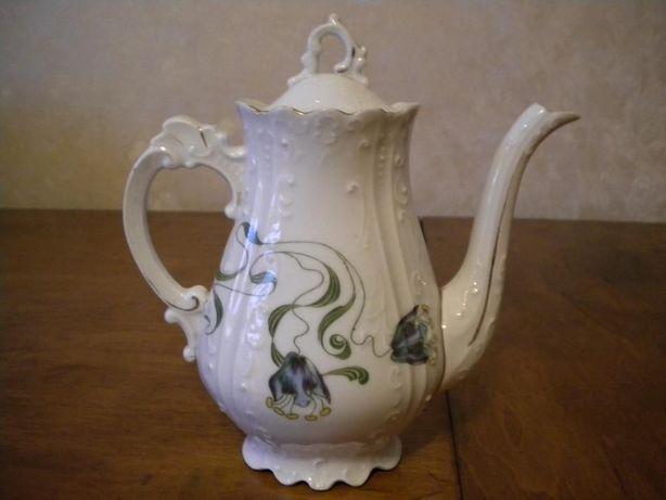 Чайник фарфоровый, антикварный, довоенный