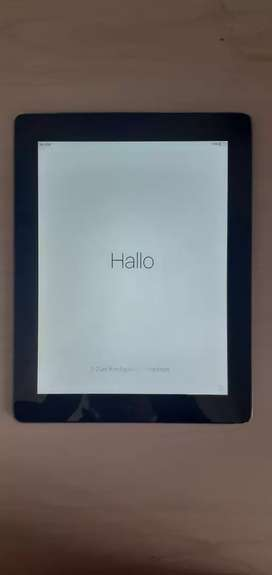 iPad (Black, 32Gb, Great Condition, includes Keyboard Cover)