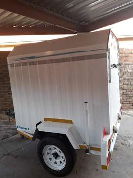Karet Unclose trailer in very good condition with all document in orde