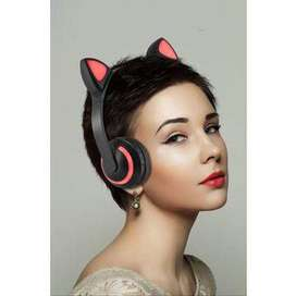 COLOR CHANGING LED WIRELESS CAT EAR HEADPHONES
