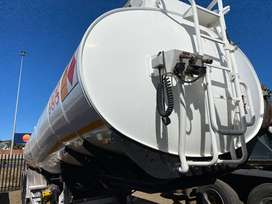 Price Drop On This GRW Fuel Tanker 39 000 Litres ( Petrol And Diesel )