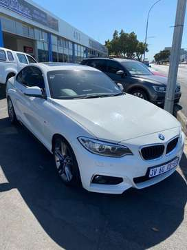 BMW 220i COUPE A/T