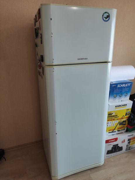 Холодильник отлично работает, в отличном состоянии!