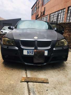BMW e90 325i  Straight 6 Stripping for spares