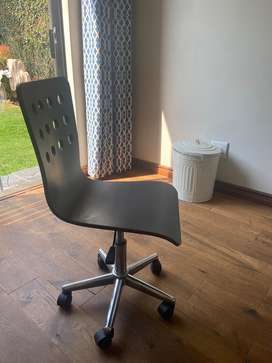 Study chair in very good condition never been used