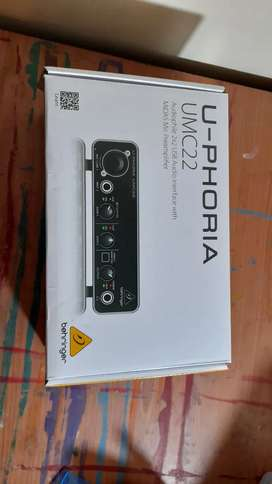BRAND NEW Behringer Audio interface 2x2USB with MIDAS Mic Preamplifier