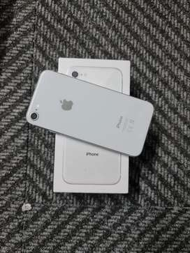 Brand New iPhone 8 64GB for sale WITH a 12 Months Warranty!
