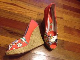 продам новые летние туфли