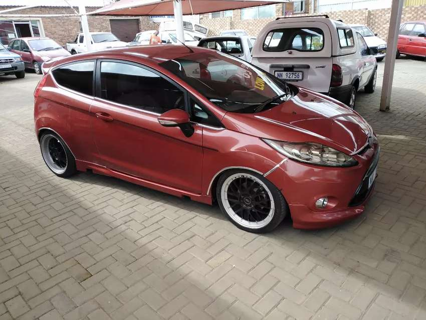 Ford Fiesta 1.6 sport with extras 0