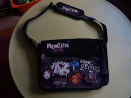 Школьная сумка Монстер хай.