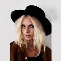 Фетровая шляпа прямые поля канотье