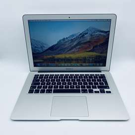 Apple MacBook Air 13-inch 1.7GHz Dual-Core i5 - Pre Owned