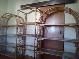 Caine wall unit