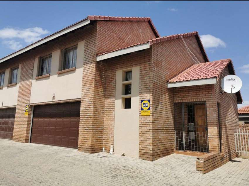 Townhouss for sale in Ladanna 0