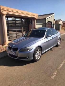 2011 BMW E90 FACE-LIFT 320I