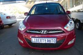 2017 Hyundai i10 Sunroof 1.2 Motion 15,000km Hatch Back Manual Transmi