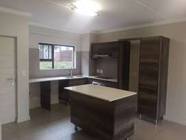 Spacious 3bed 2bath groundfloor apartment to rent
