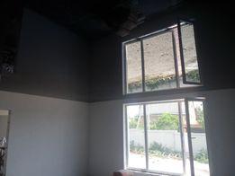 Натяжные потолки качественно.