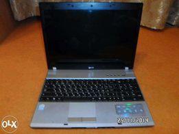 Ноутбук LG F1