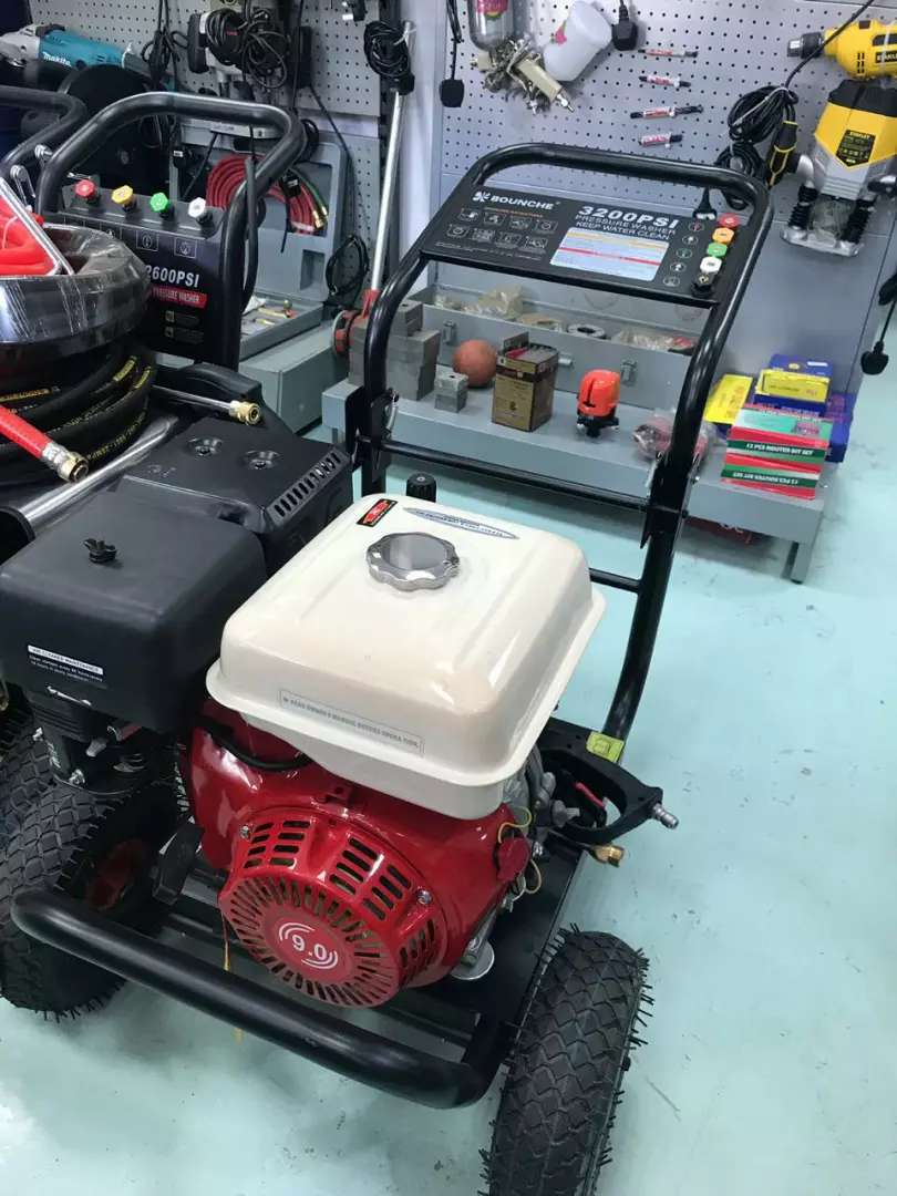 3200psi bounche pressure washer 0