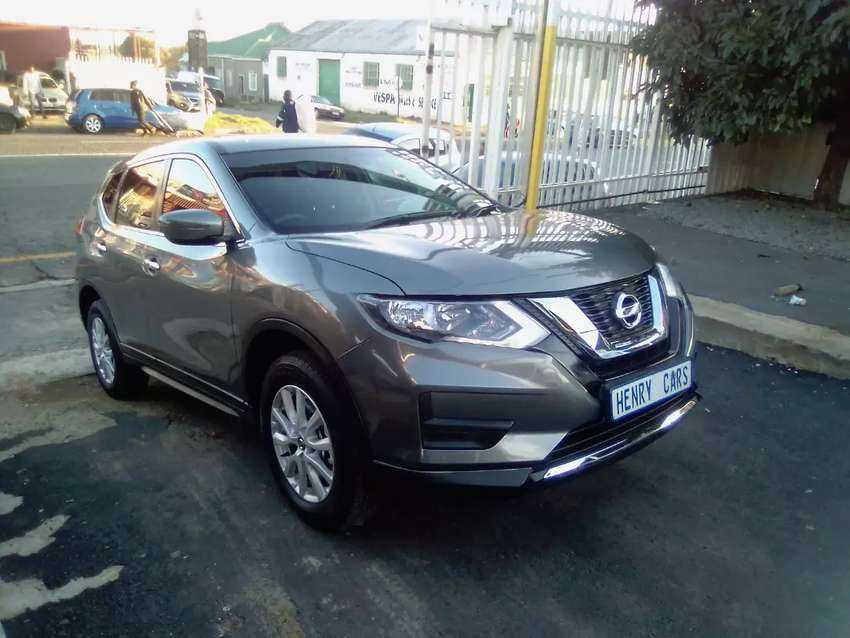 Nissan X-trail 2.0 7 Seaters SUV Manual For Sale 0