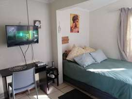 Bachelor pad in Kenwyn available for 1 person