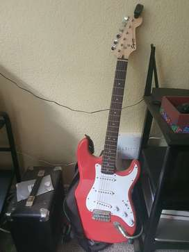 Electric guitar with amp coord and picks