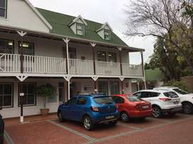 Spacious secure Somerset West office - 184m2