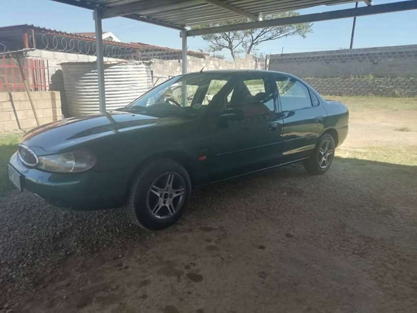 Ford Mondeo Petrol (2000) 0
