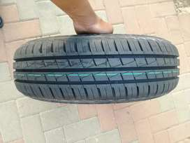 One tyre forsale size 165/70R14 price R600