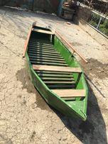 Лодка железная.