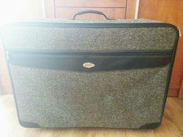 Duża walizka podróżna 70x54x24 cm