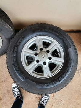 Gwm steed 5 rims with tyres (215/80R 15
