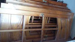 Продам двери деревянные (лак)