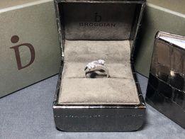 Золотое кольцо с бриллиантами Broggian