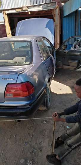 I'm selling toyota corolla 1.6 is driving paper in order  road worth