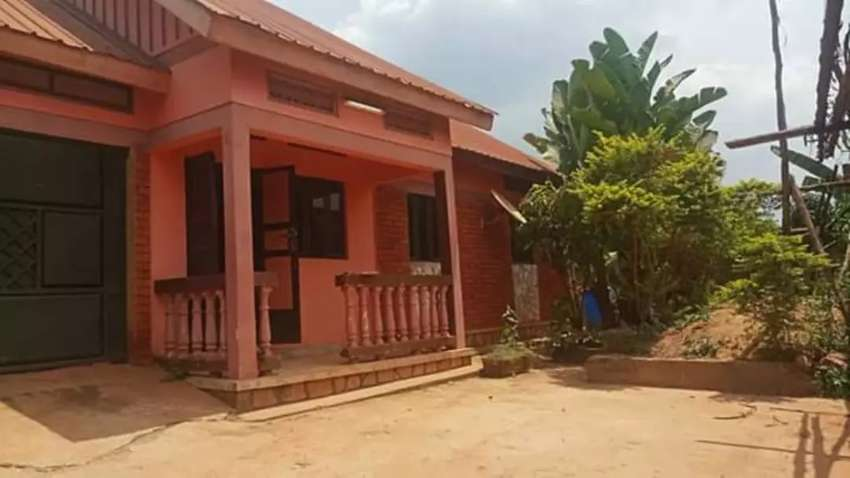 Great home on sale in Gayaza at 75M 0