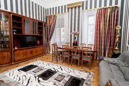 Четырехкомнатные апартаменты .Дерибасовская.Исторический центр.