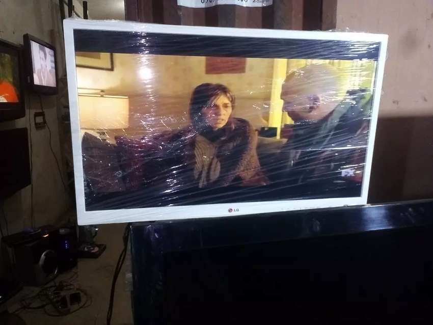 29 inches LG smart television 0