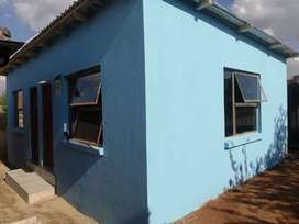 Garage size Room to rent in Olivenhoutbosch EXT36 for R1500
